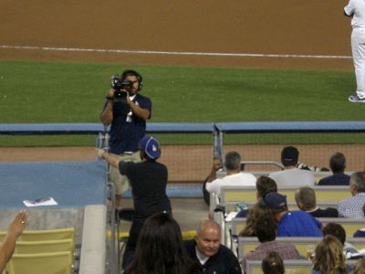 jameson-moss-santa-club-member-performing-at-the-dodgers-game_opt